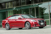 Toyota Crown Athlete S Hybrid, Seitenansicht