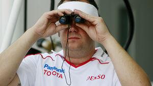 Toyota F1 Mechaniker Fernglas