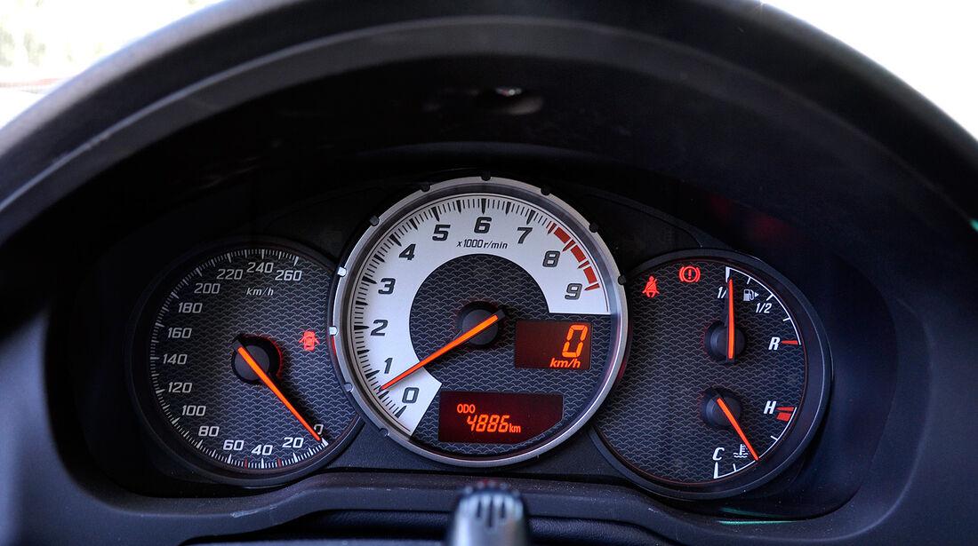 Toyota GT 86, Instrumente