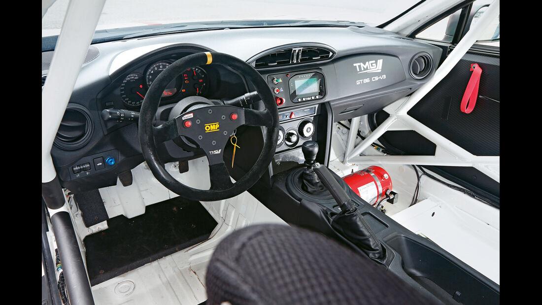 Toyota GT86 CS-V3, Cockpit