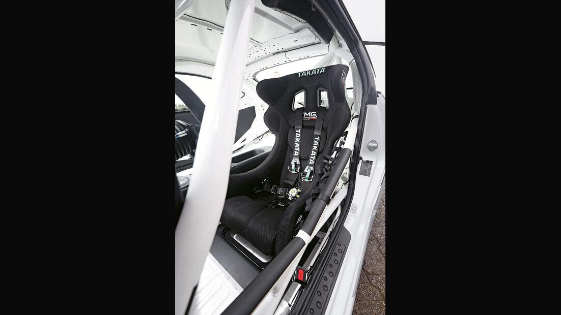 Toyota GT86 CS-V3, Fahrersitz