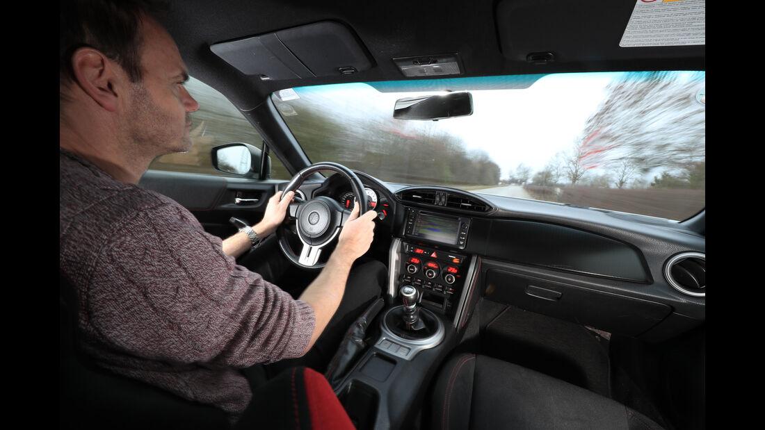 Toyota GT86, Cockpit