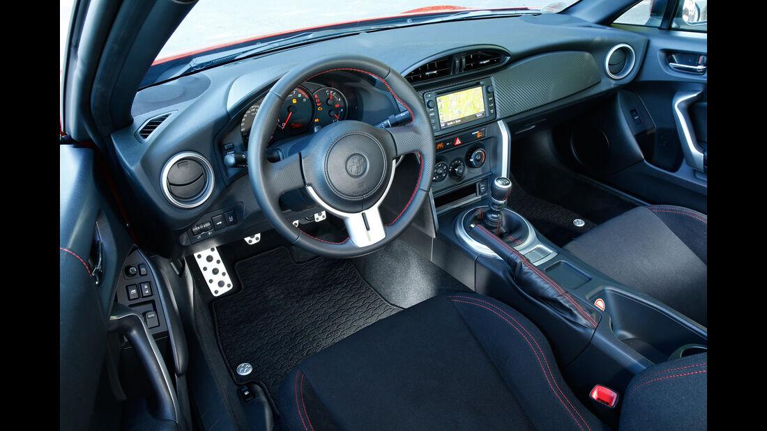 Toyota GT86 Pure, Cockpit