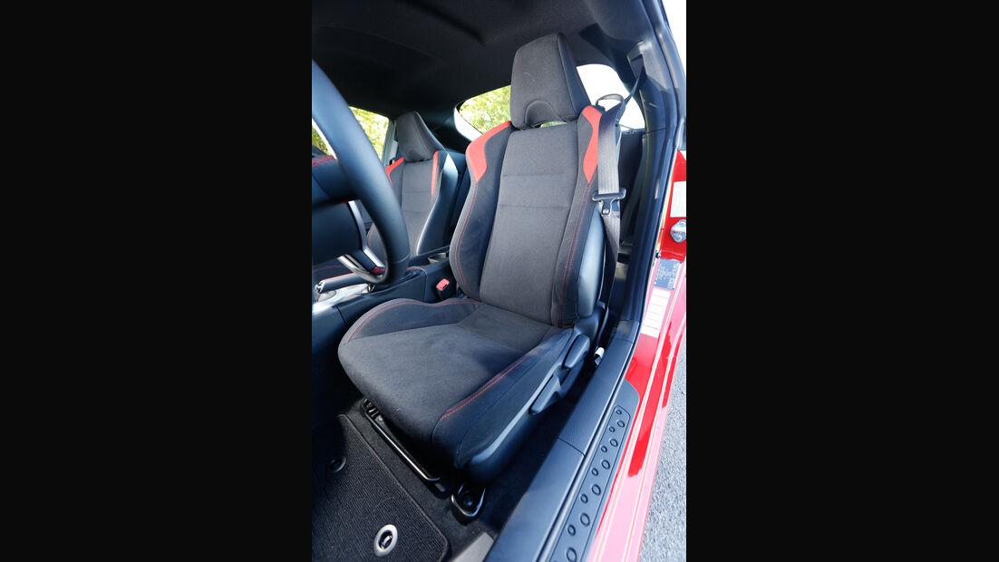 Toyota GT86 Pure, Fahrersitz