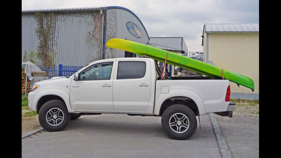 Toyota Hilux Kanu Kajak Boot
