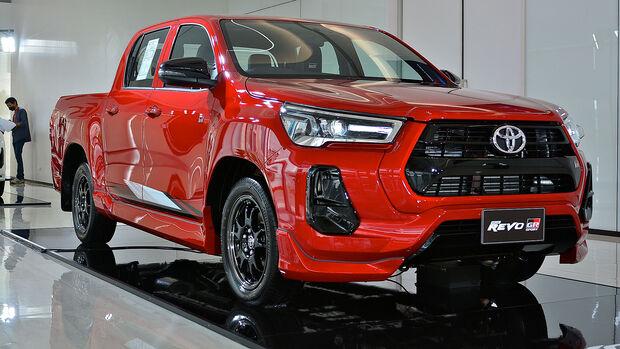 Toyota Hilux Revo 2WD GR Sport Lo-Floor