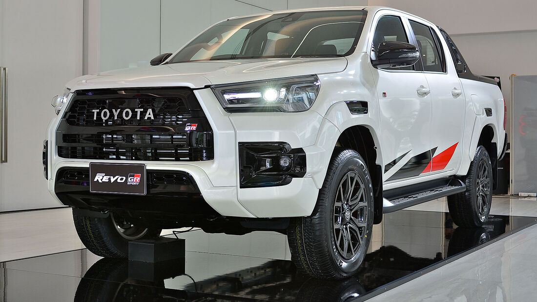 Toyota Hilux Revo 4WD GR Sport Hi-Floor