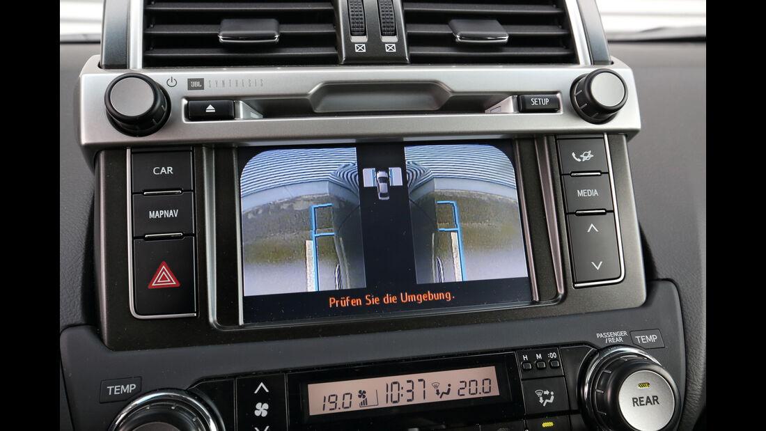Toyota Land Cruiser 2.8 D-4D, Infotainment