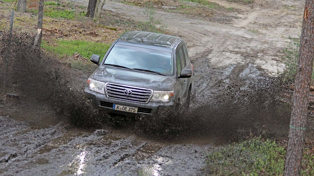 Toyota Land Cruiser V8 2012 Supertest