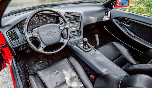Toyota MR2 W1 (1985), Innenraum