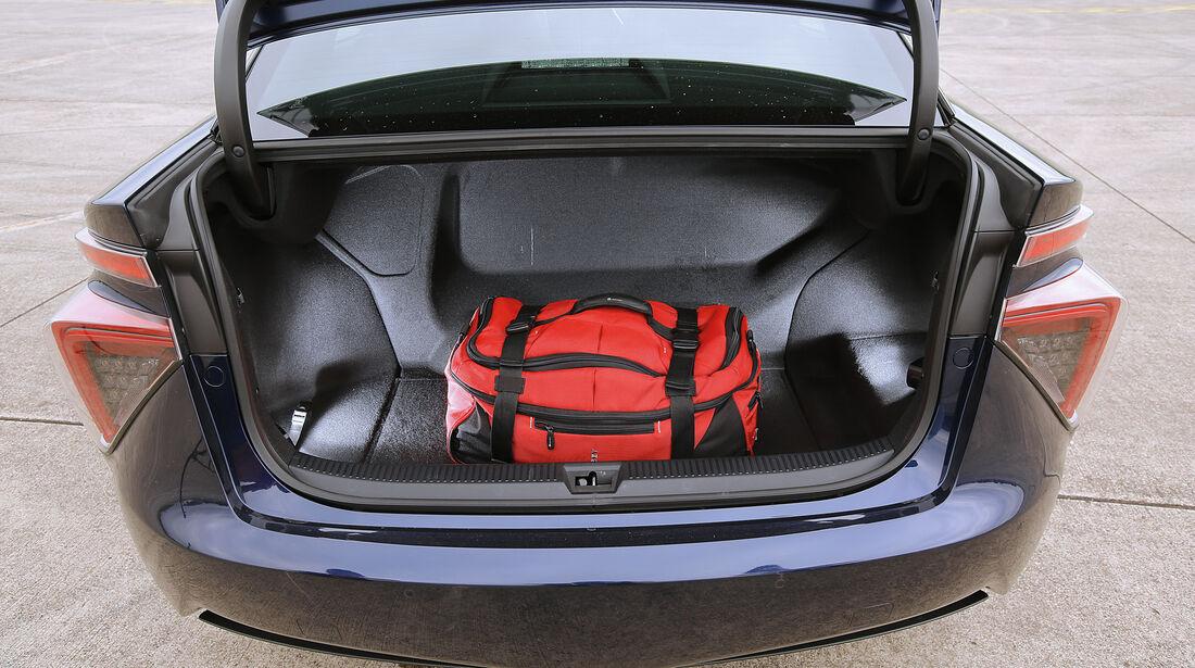 Toyota Mirai, Kofferraum