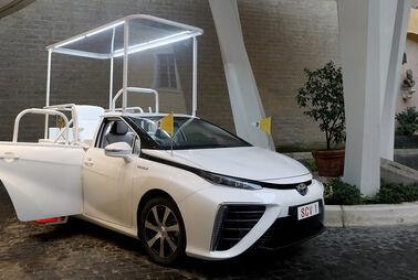 Auch Toyota Mirai als Papamobil