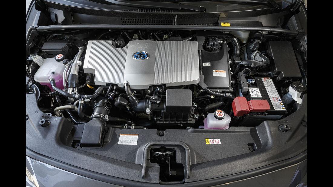 Toyota Prius Plug-in Hybrid Front Detail