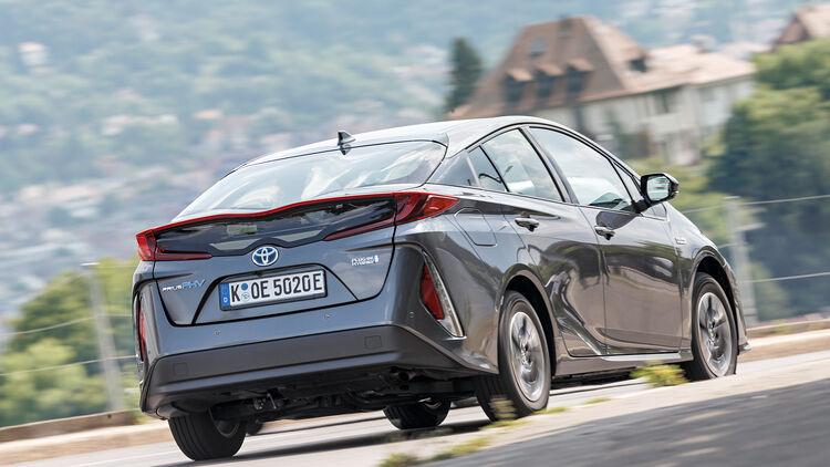 Toyota Prius Plug In Hybrid Und Vw Golf Gte Im Test Auto Motor