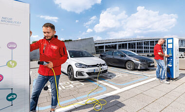 Toyota Prius Plug-in Hybrid, VW Golf GTE Front