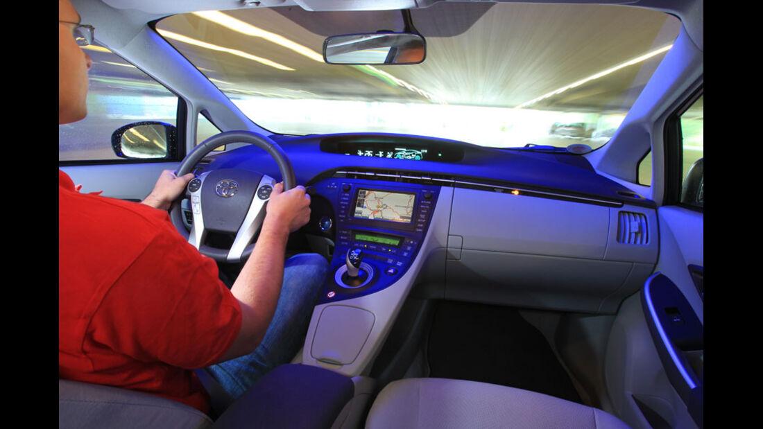 Toyota Prius Plugin, Cockpit