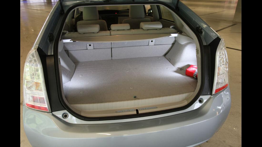 Toyota Prius Plugin, Kofferraum