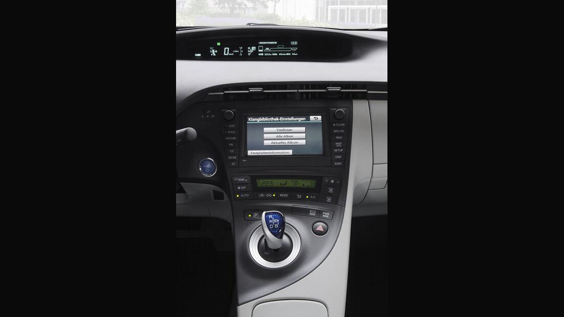 Toyota Prius Plugin, Mittelkonsole, Navigationssystem