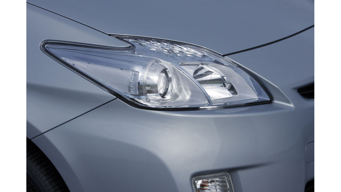 Toyota Prius Plugin, Scheinwerfer