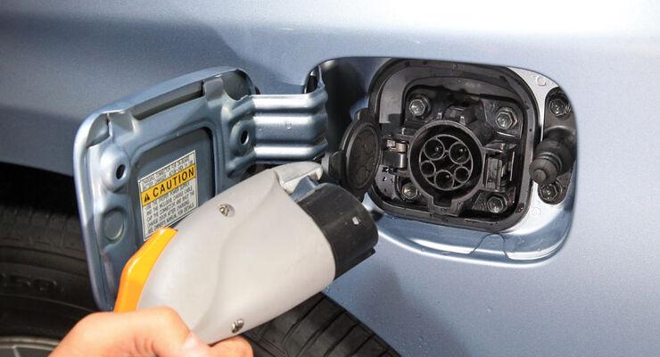 Toyota Prius Plugin, Steckdose