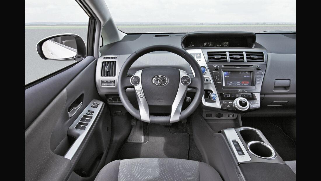 Toyota Prius Plus, Lenkrad, Cockpit