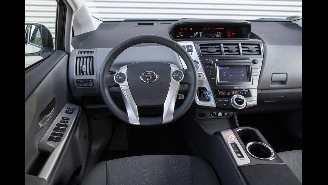 Toyota Prius Plus Life, Cockpit, Lenkrad
