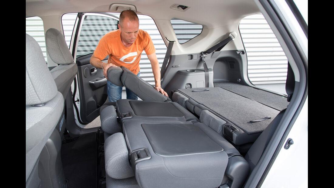 Toyota Prius Plus Life, Rücksitz, umklappen