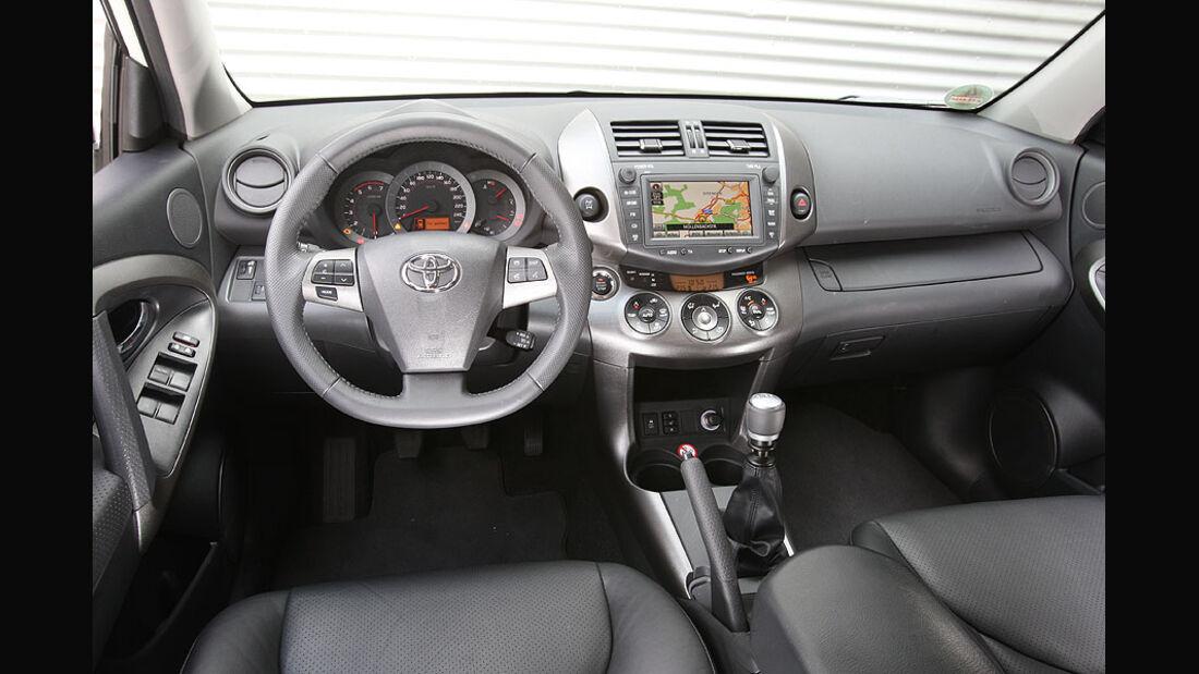Toyota RAV 4 2.2 D-Cat,Cockpit