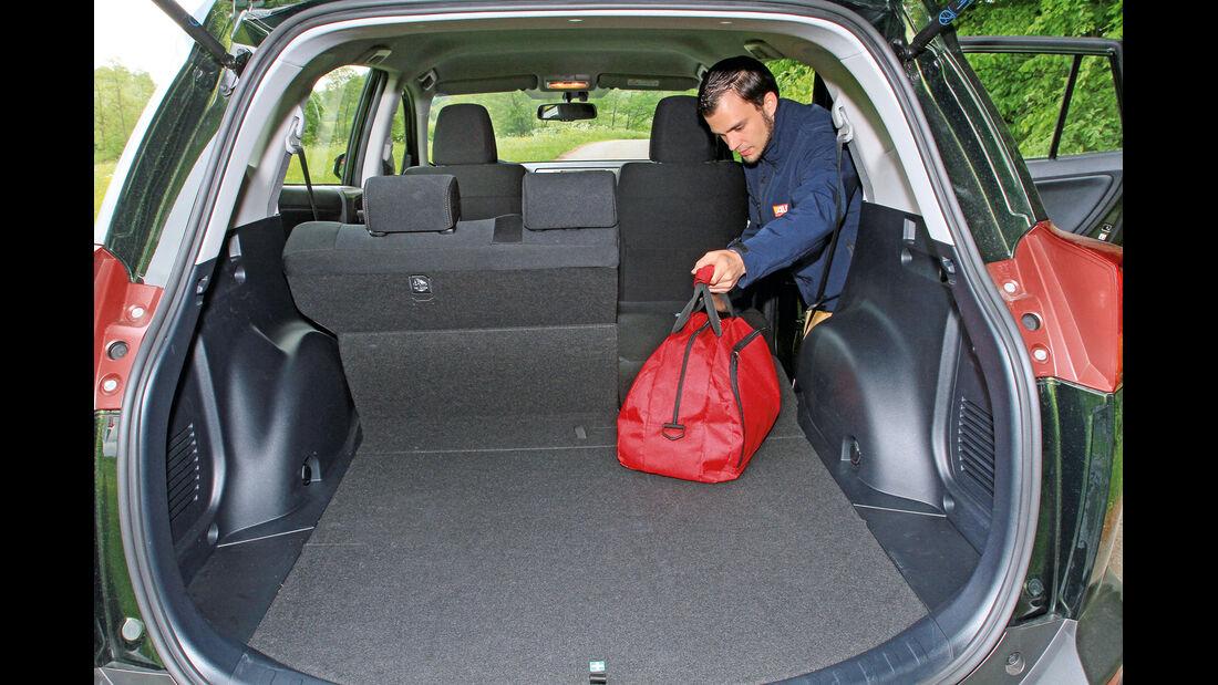 Toyota RAV4 2.2 D-4D AWD Life, Kofferraum, Ladefläche