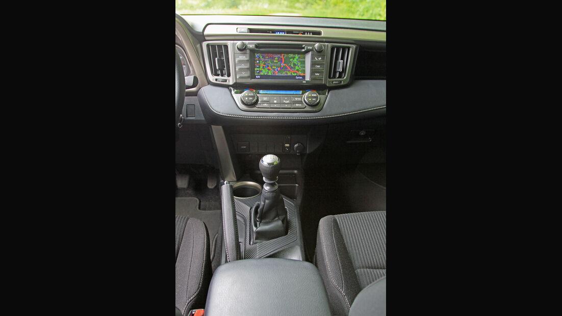 Toyota RAV4 2.2 D-4D AWD Life, Mittelkonsole