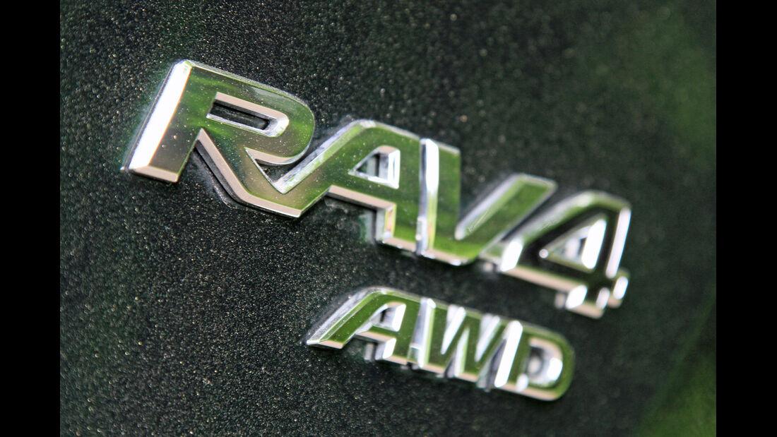 Toyota RAV4 2.2 D-4D AWD Life, Typenbezeichnung