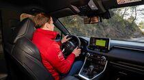 Toyota RAV4 4x4 Hybrid, Fahrbericht, innen fahrt