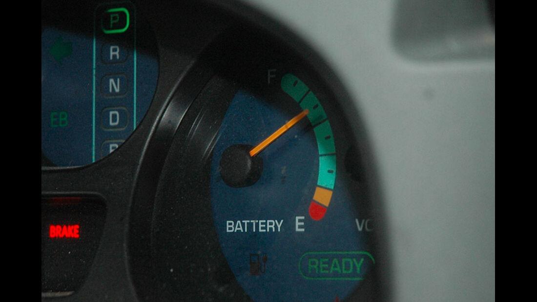Toyota RAV4 EV Schalttafeleinsatz