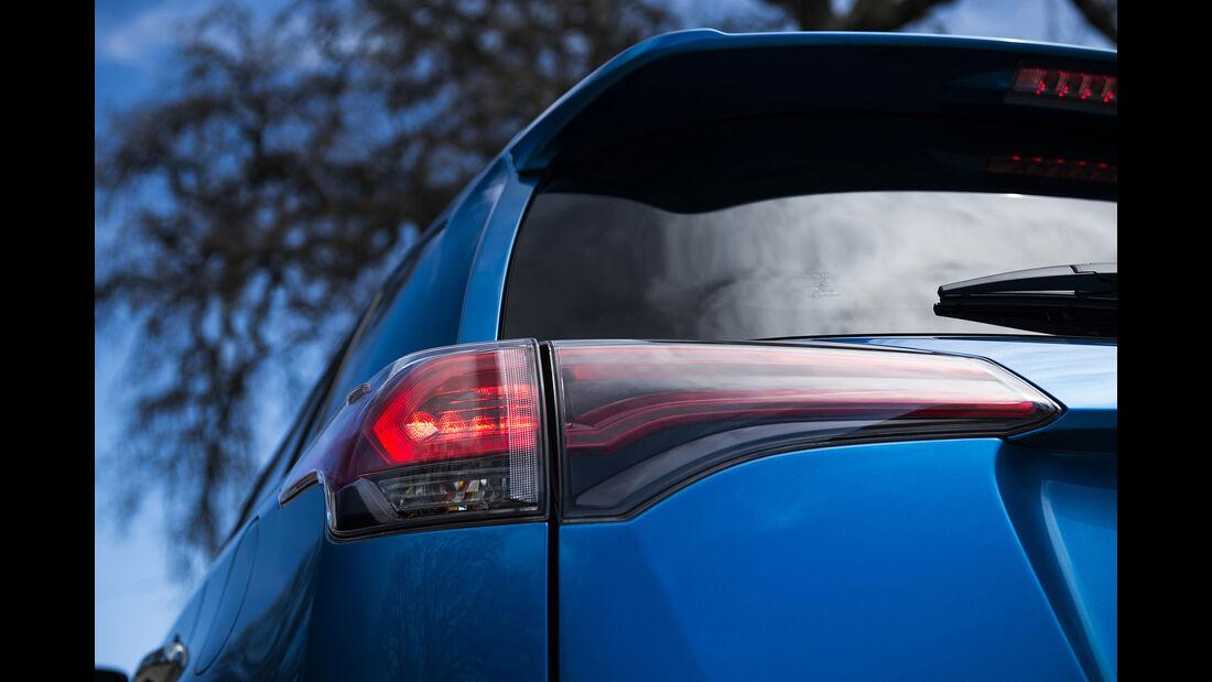 Toyota RAV4 Hybrid Facelift NYIAS 2015