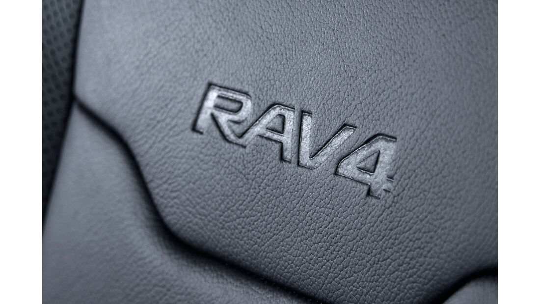 Toyota RAV4 Hybrid Sapphire