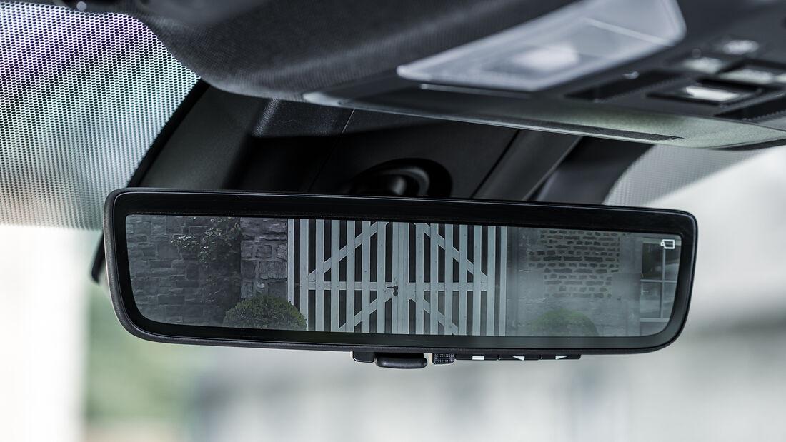 Toyota RAV4 Plug-in, Interieur