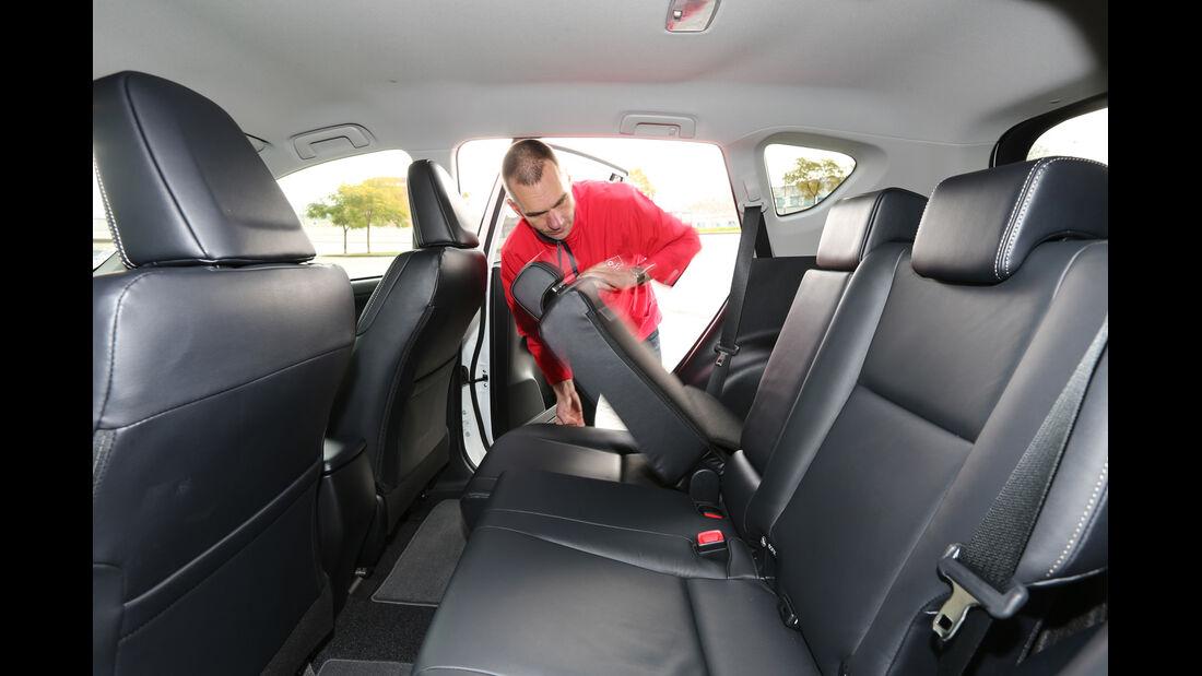 Toyota RAV4, Rücksitz, Umklappen
