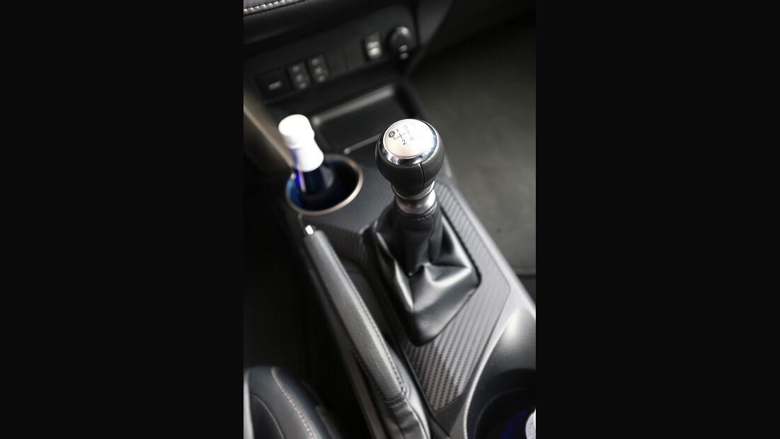 Toyota RAV4, Schalthebel, Schaltknauf, Getränkehalter