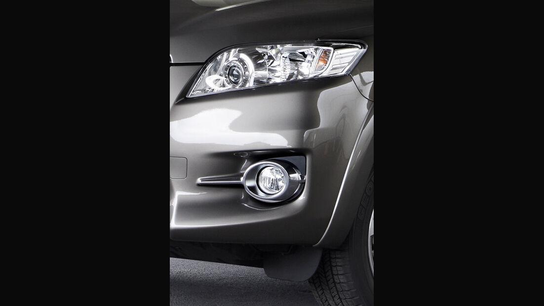 Toyota RAV4, Scheinwerfer