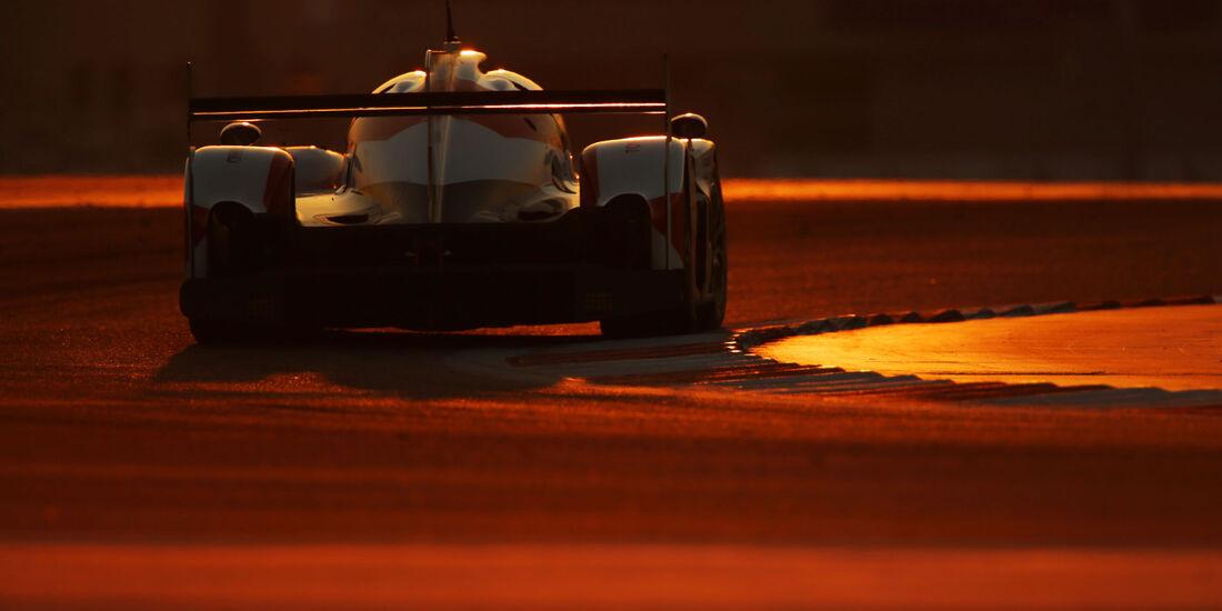 Toyota TS050 Hybrid - Davidson, Buemi, Nakajima - WEC - Sportwagen-WM - Bahrain 2016