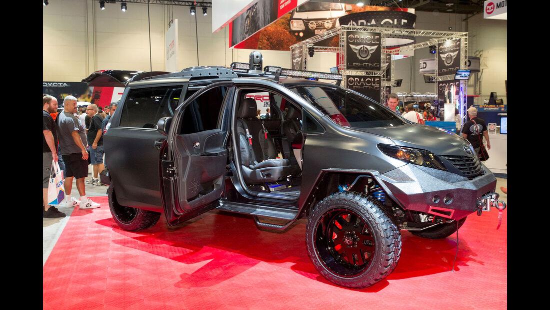 Toyota Ultimate Utility Vehicle - Sema 2015