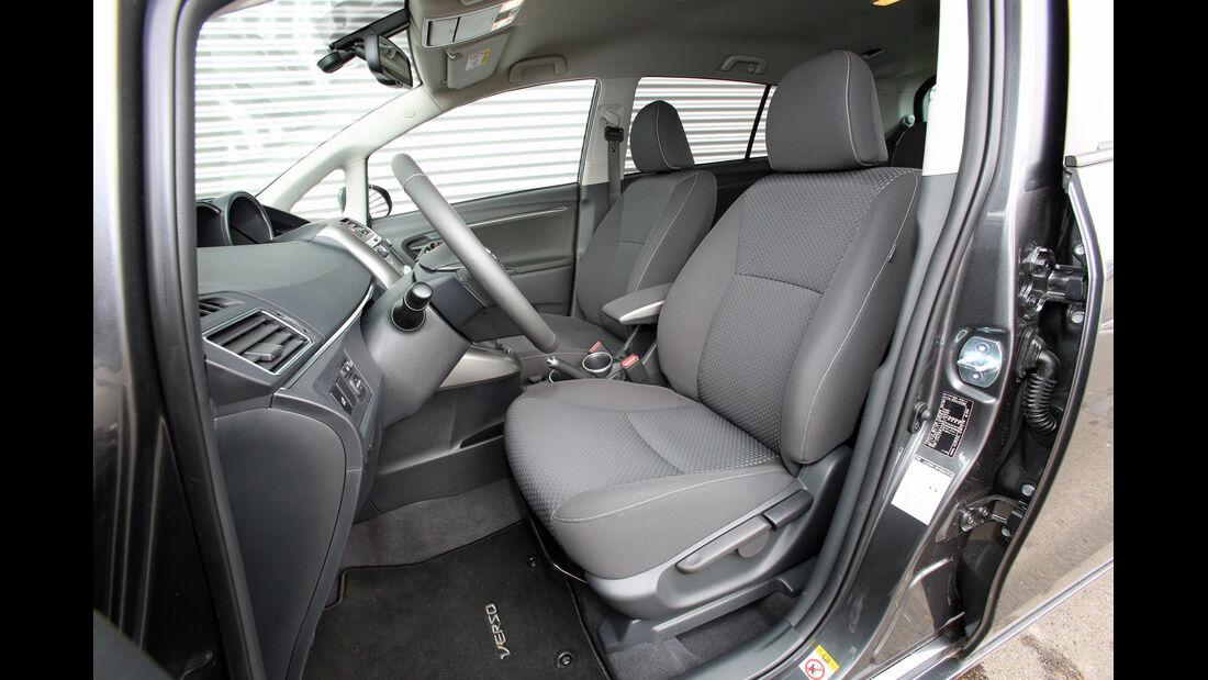 Toyota Verso 2.0 D-4D, Fahrersitz