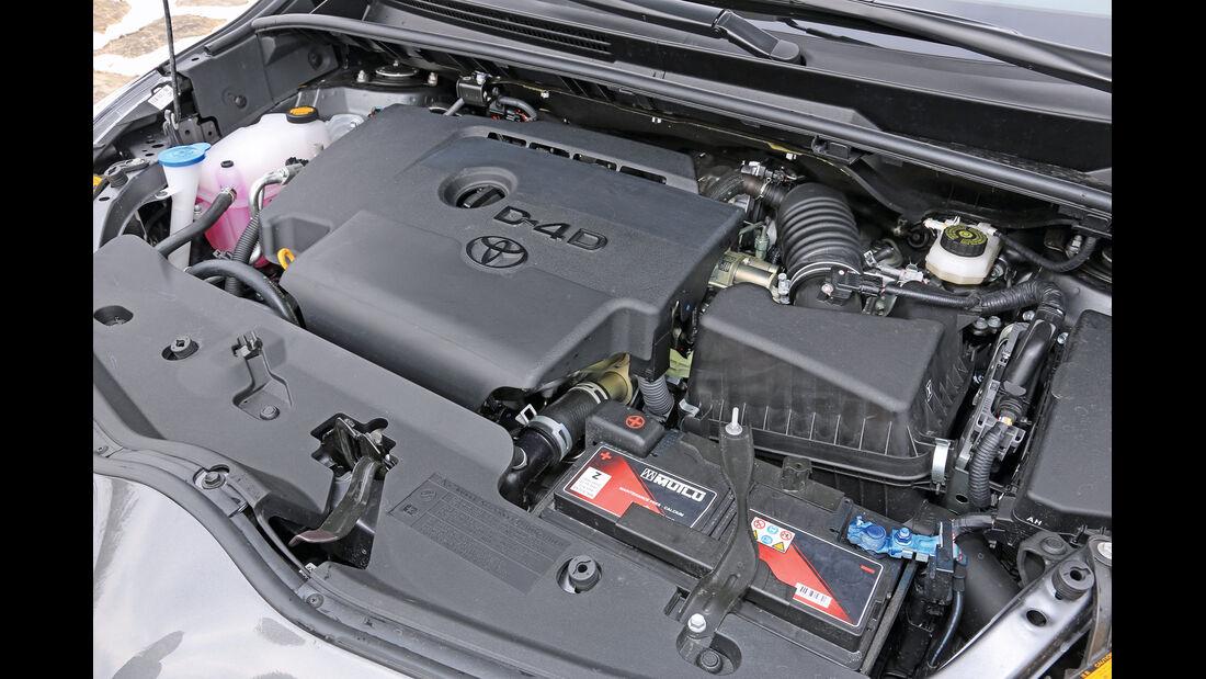 Toyota Verso 2.0 D-4D, Motor