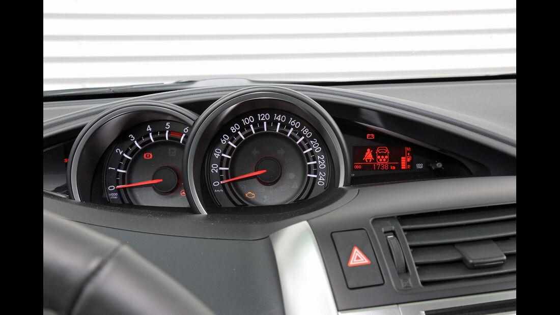 Toyota Verso 2.0 D-4D, Rundinstrumente