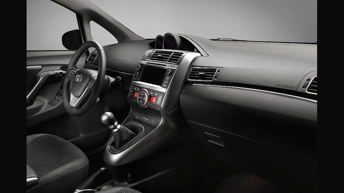 Toyota Verso Facelift Paris 2012, Innenraum