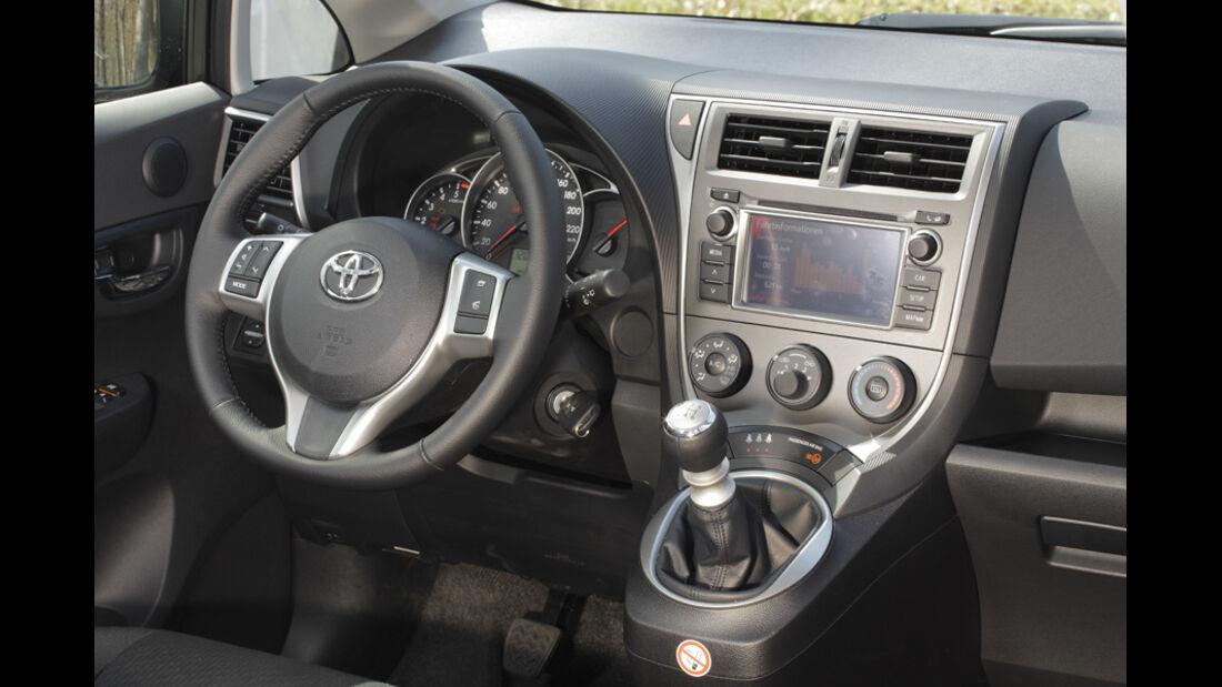 Toyota Verso S 1.4 D-4D, Innenraum, Detail