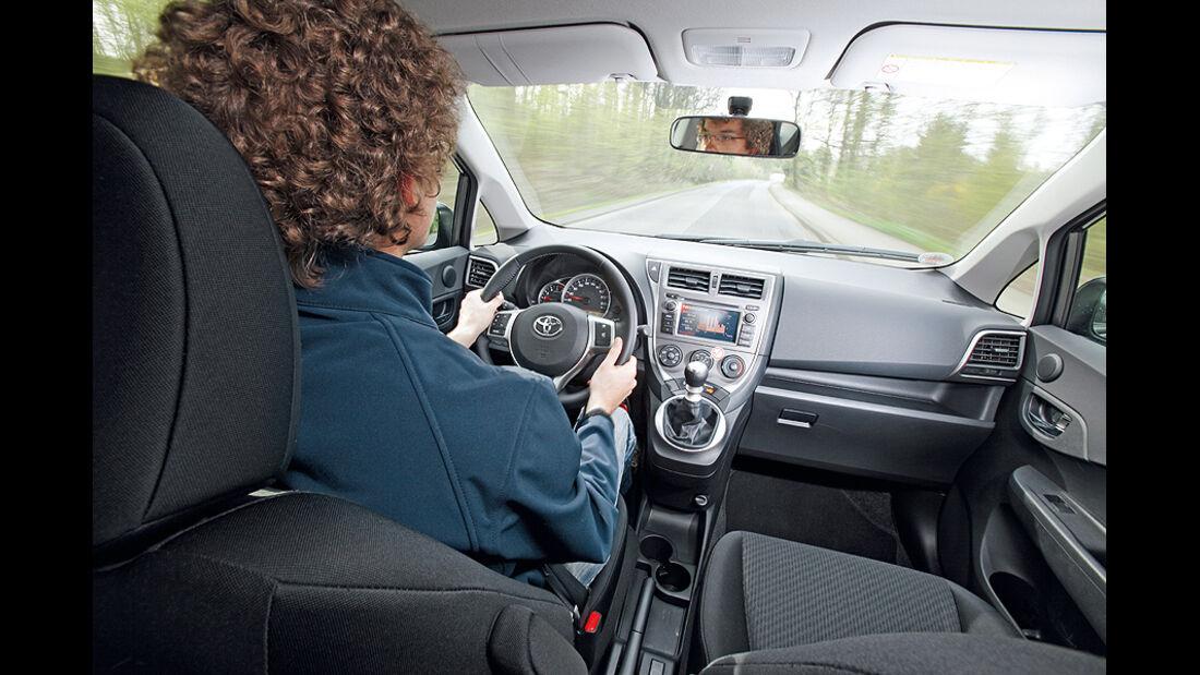 Toyota Verso-S Cockpit