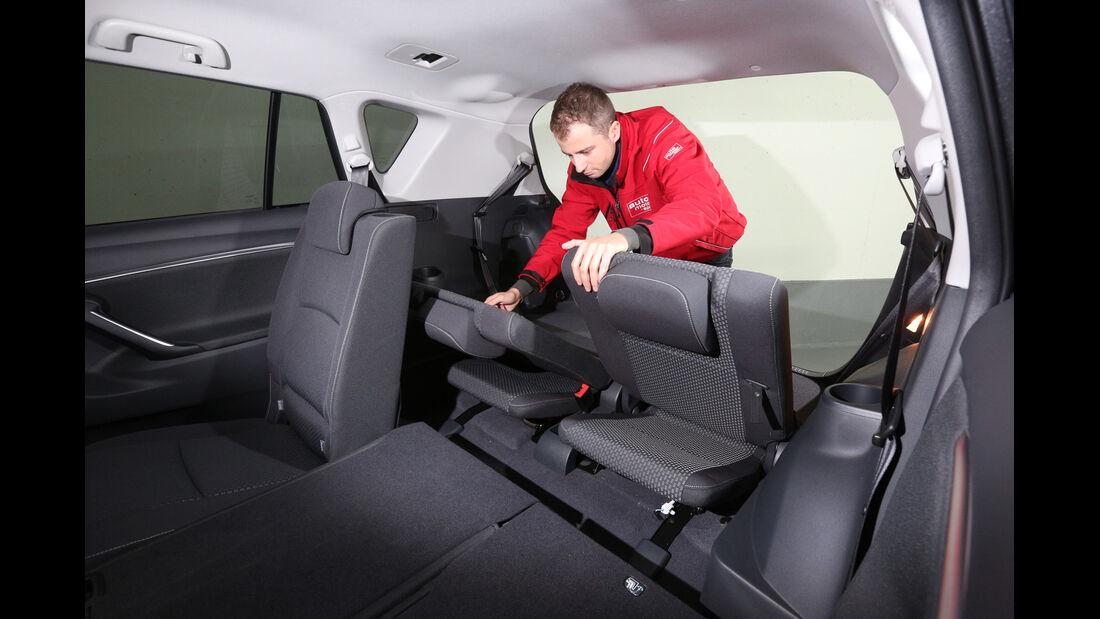 Toyota Verso, Sitze, Umklappen