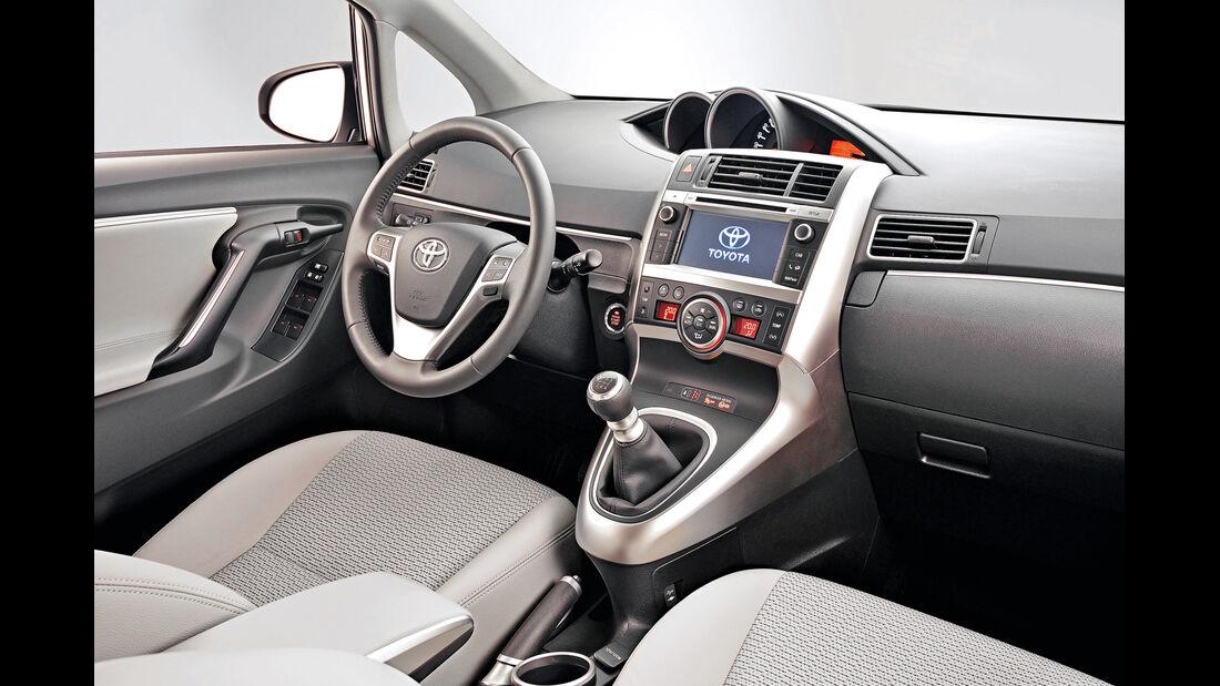 Toyota Verso1.6 D-4D, Cockpit