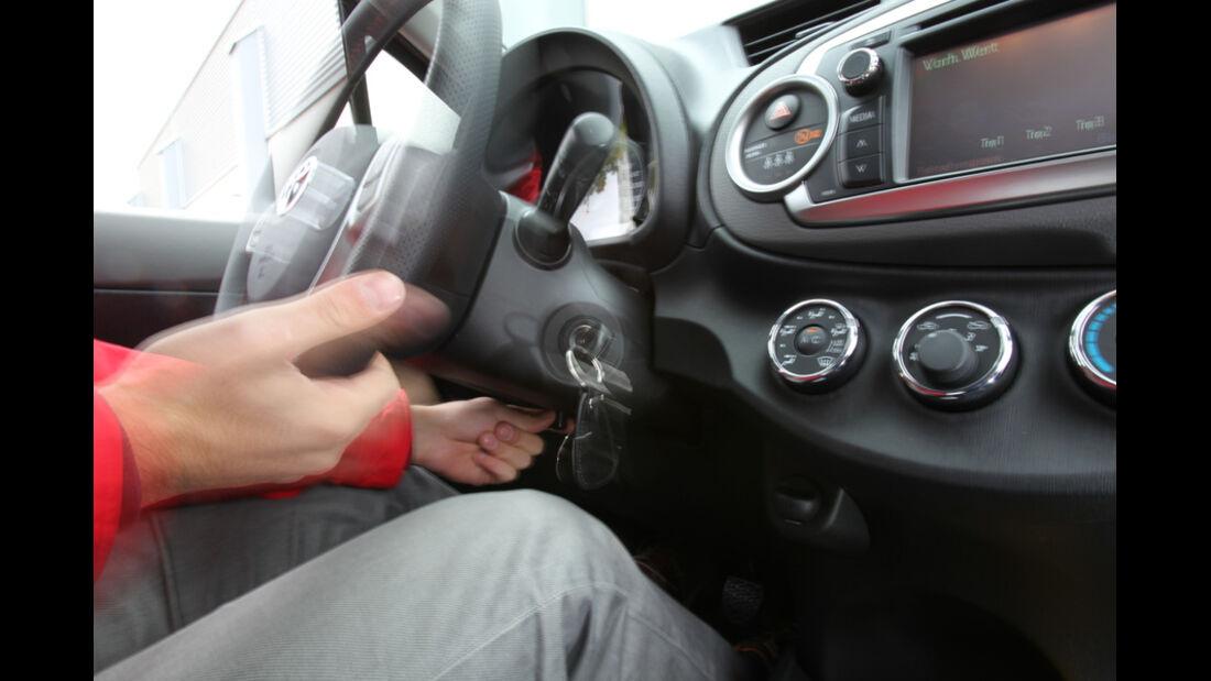 Toyota Yaris 1.4D-4D, Smartphone, Anschluss